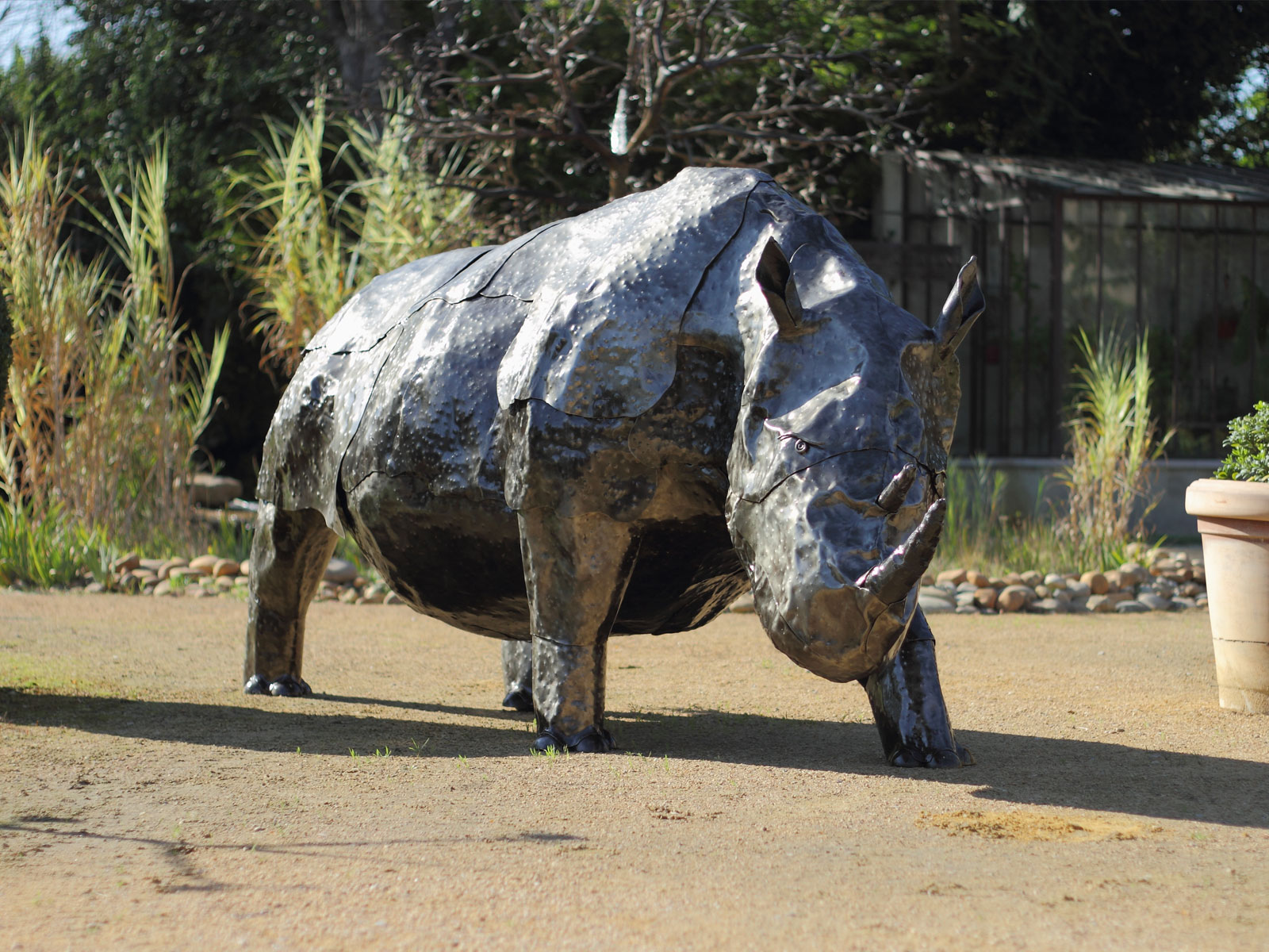 sculpture-rhinoceros-jp-fally-artist-convection